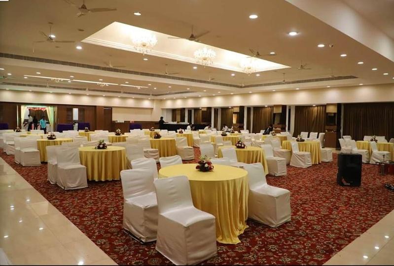 Hotel Orient Taibah, Ganeshpeth, Nagpur