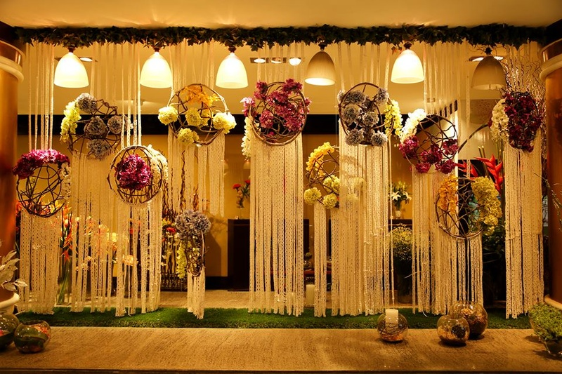 5 Fabulous Wedding Entrance Decor Ideas