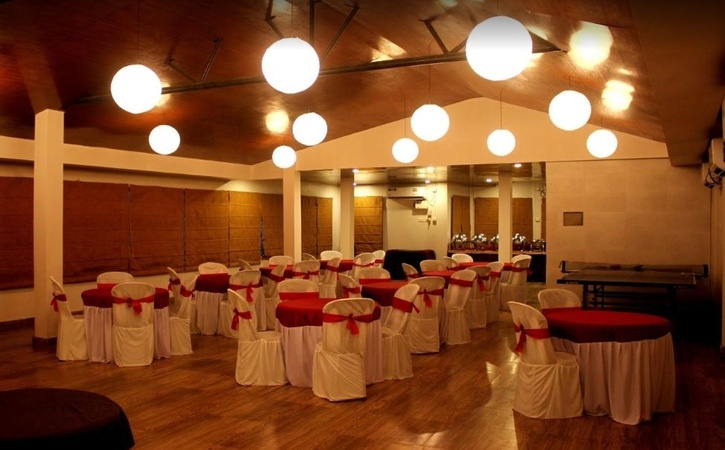 Hotel Awesome Palace, GS Road, Guwahati