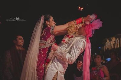 Fun Varmala ceremony held at Chunda palace, Udaipur.