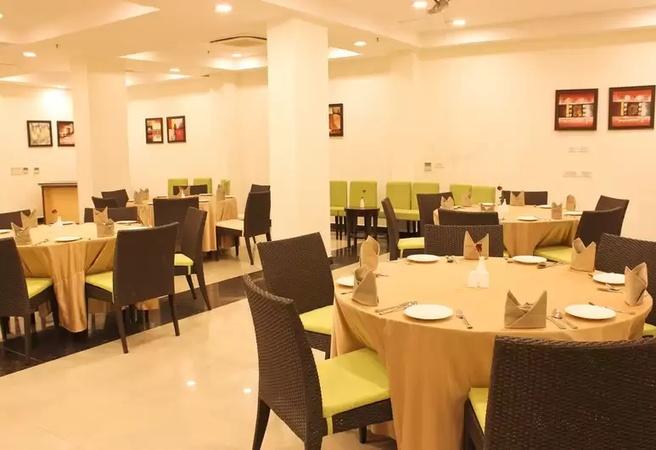 Edition O 300067 (Tavisha Hotel) New Friends Colony Delhi - Banquet Hall