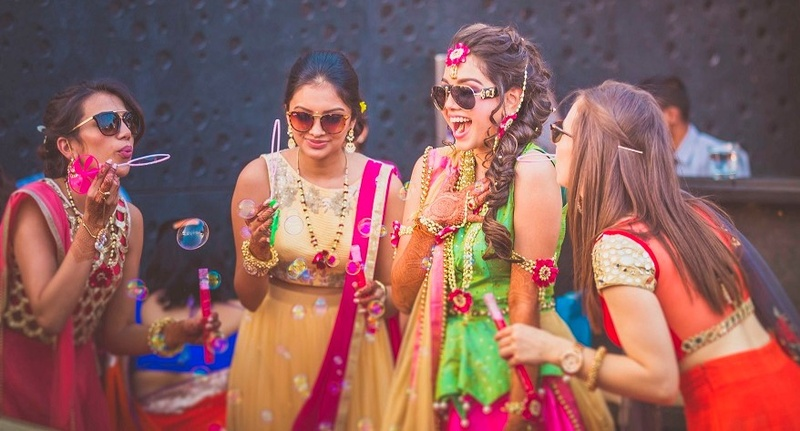 6 Trending Elements That Your Wedding Mehndi Outfit Needs! #MehndiDays  #BridalLook