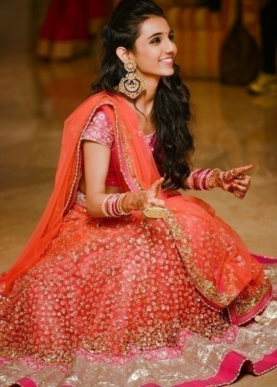 906adbed5f0a08 Which Are the Best Bridal Lehenga Styles For Short Plump Bride ...