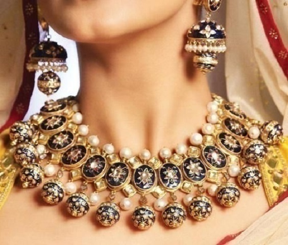 Mesmerizing Mughal Jewellery Designs for the Vintage Royal Bride!