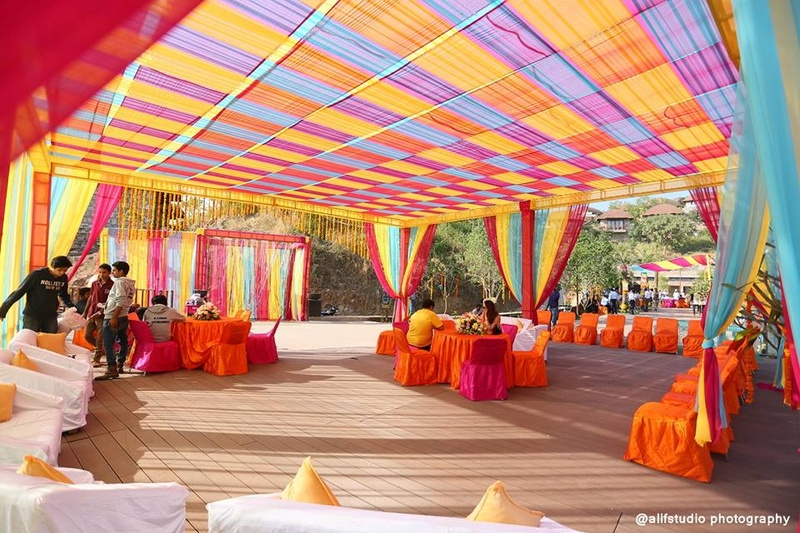 An intimate destination wedding ceremony with breathtaking dcor vibrant indian outdoor wedding decor ideas junglespirit Image collections