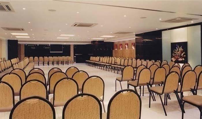 Senate Banquets - Seating Capacity (250) / Floating Capacity (300)