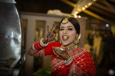 The Kanpuriya bride enjoying her reception