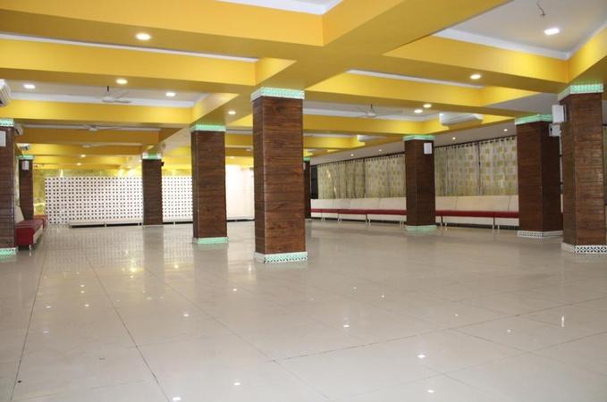 Ganesh Banquet Dining and Hotel Bavla Ahmedabad - Banquet Hall
