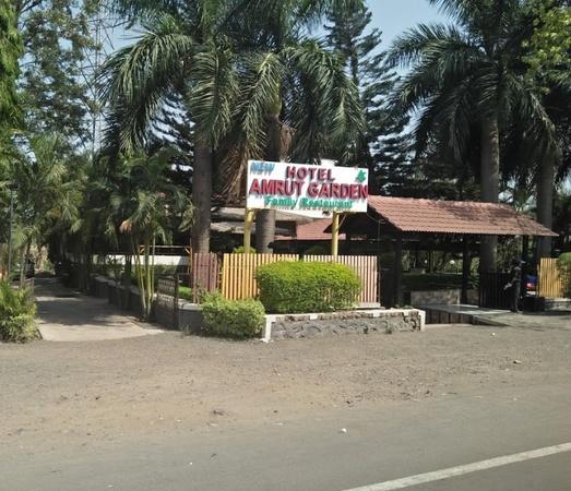 New Hotel Amrut Garden Family Restaurant Trimbak Road Nashik - Banquet Hall
