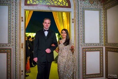 Beautiful couple getting married at Samode Palace.