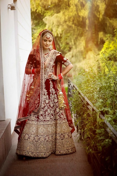 Bride Manjot poses for Dipak Studios before the wedding function at JW Marriott, Chandigarh