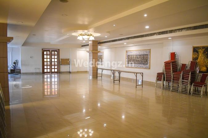Hotel Parnil Palace Zoo Road Guwahati - Banquet Hall