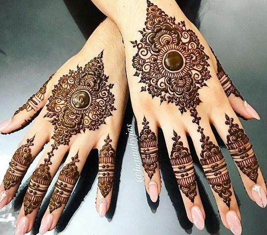 100+ mehandi design images to pin if you're attending a wedding or