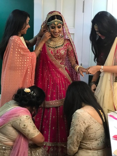 Every bride needs her girl gang to get ready!