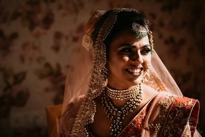 Pragya looks so pretty while waiting for her baraat.