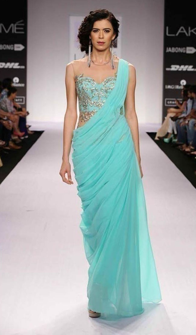 10 Must Have Sarees for a Modern Bride\'s Trousseau Trunk - Blog
