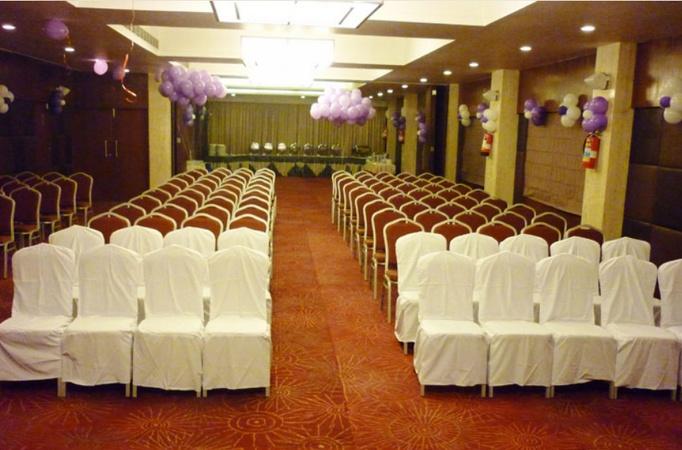 Hotel vaishnaoi kachiguda hyderabad banquet hall wedding hotel about hotel vaishnaoi hotel vaishnaoi kachiguda hyderabad stopboris Choice Image