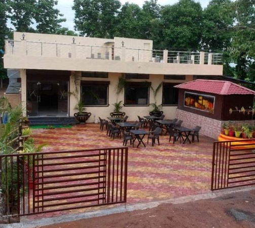 Perfect Drive and Dine Family Restaurant Patansaongi Nagpur - Banquet Hall