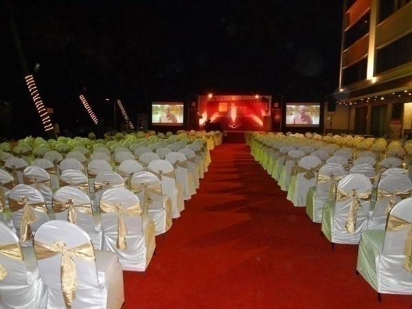 opne-air wedding venue in the night