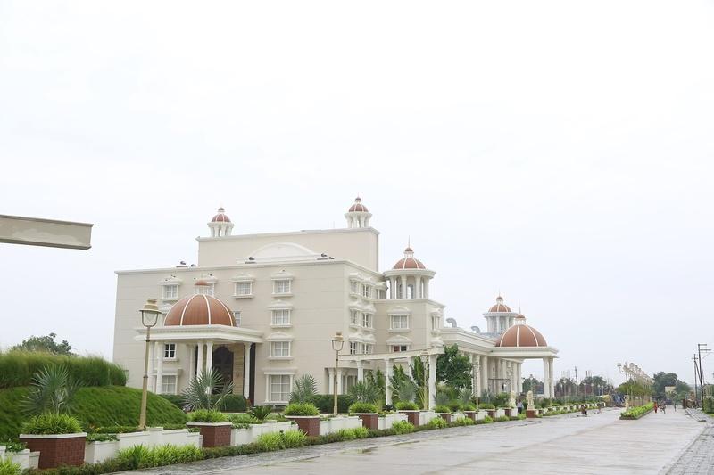 Jalsa Banquets, Nipania, Indore