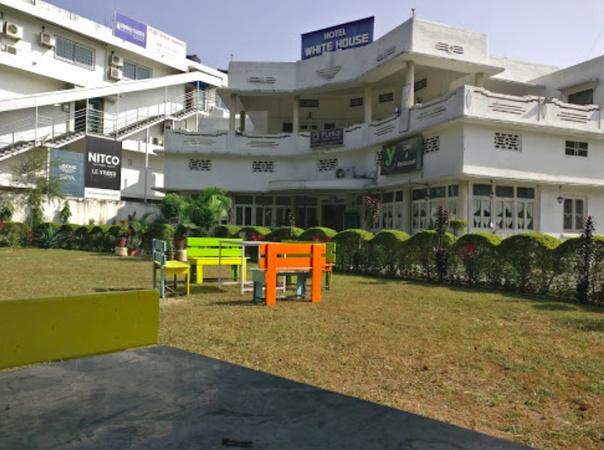 Y Cafe and Restaurant Rajpur Road Dehradun - Wedding Lawn