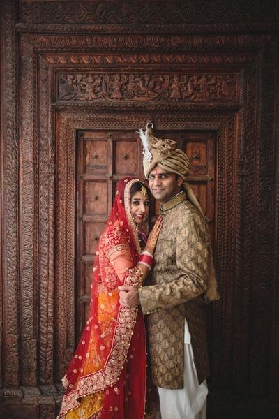 Wedding couple photography by Photozaapki.