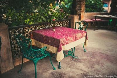 Table decor at Neemrana Fort Palace.