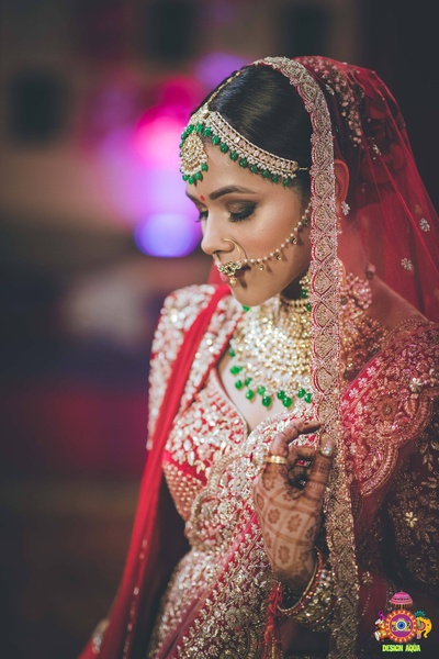 candid capture of the bride before her wedding