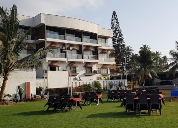 Hotel Princess Park Devka Beach Road Daman and Diu - Banquet Hall