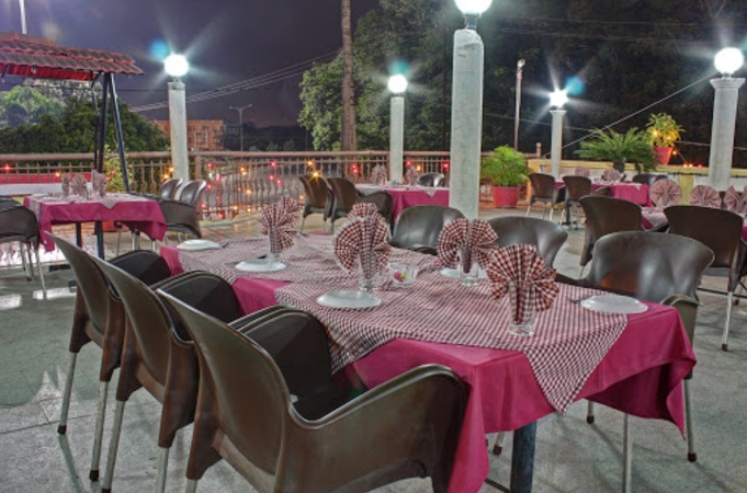 Lake View Restaurant Piplod Surat - Banquet Terrace