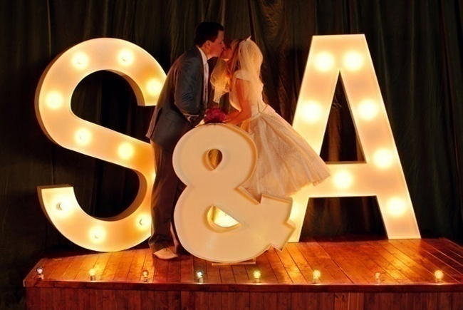 Bold & Grand Wedding Photobooth