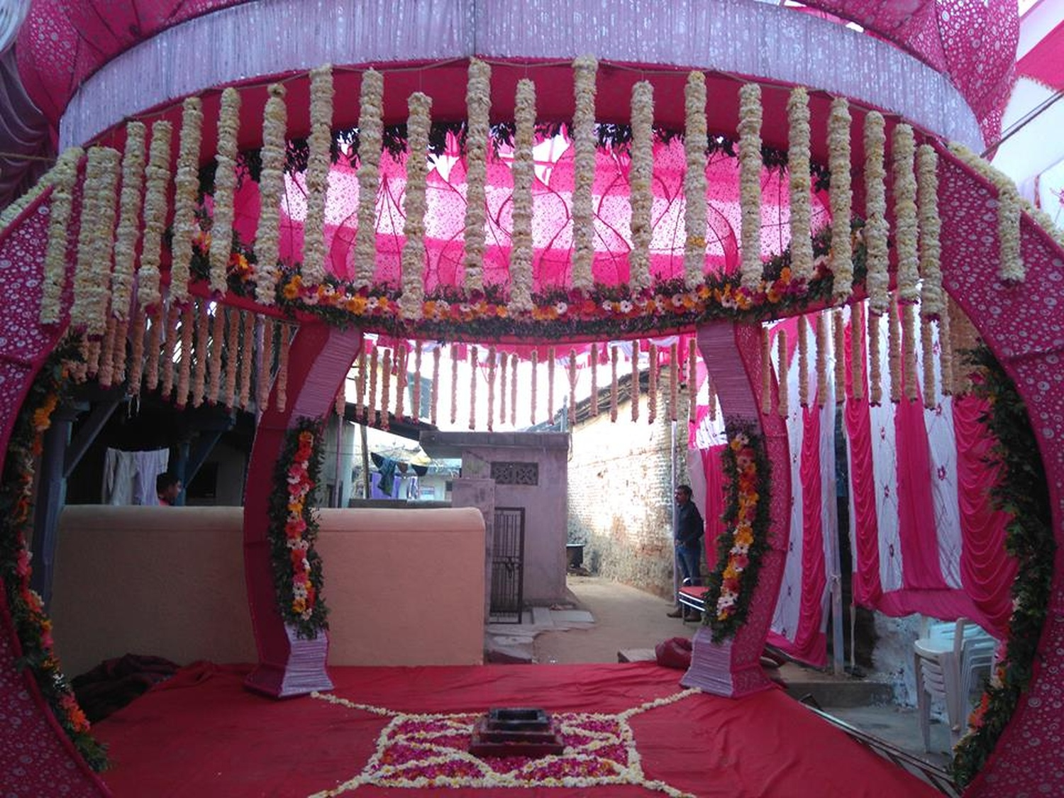 om flower decorations wedding decorator in naroda ahmedabad ideabook