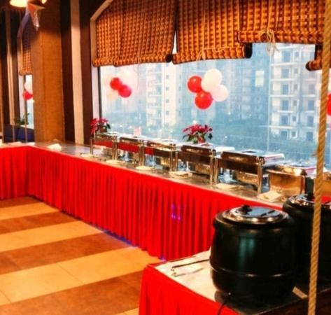 Sol Y Luna Sector 76 Noida - Banquet Hall