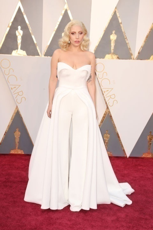 Will These Be The New Bridal Trend? Stunning White Gowns Spotted at Vanity Fair's 2016 Oscar Party