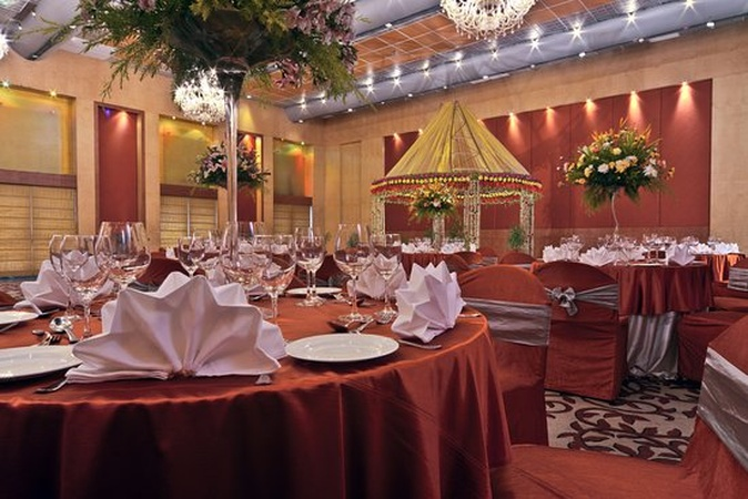 Hotel Hindusthan International Bhowanipore Kolkata - Banquet Hall