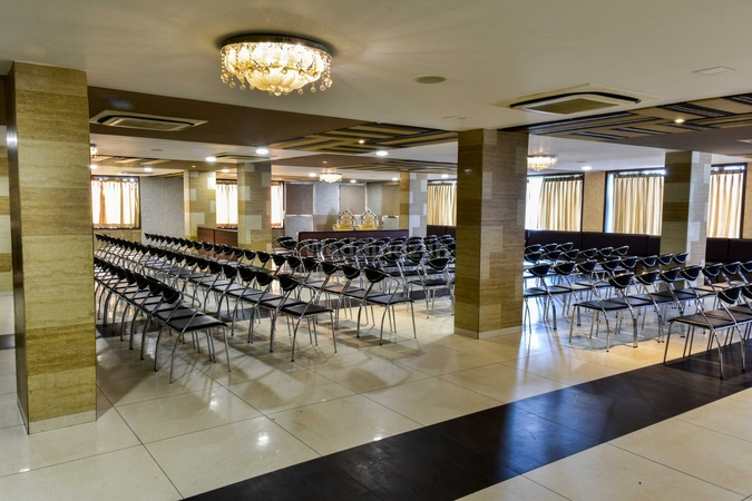 Emerald The Restaurant And Banquets Naroda Ahmedabad - Banquet Hall