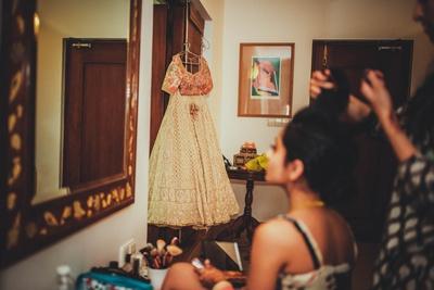 Bride getting ready for the hindu wedding ceremony