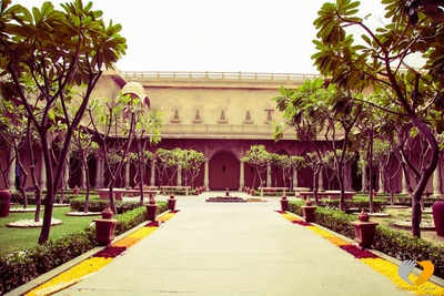 Royal avenues at the Hotel Fairmont, Jaipur