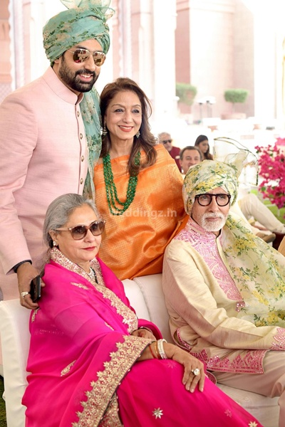 Family portrait of the Bachchans in Abu Jani Sandeep Khosla attire