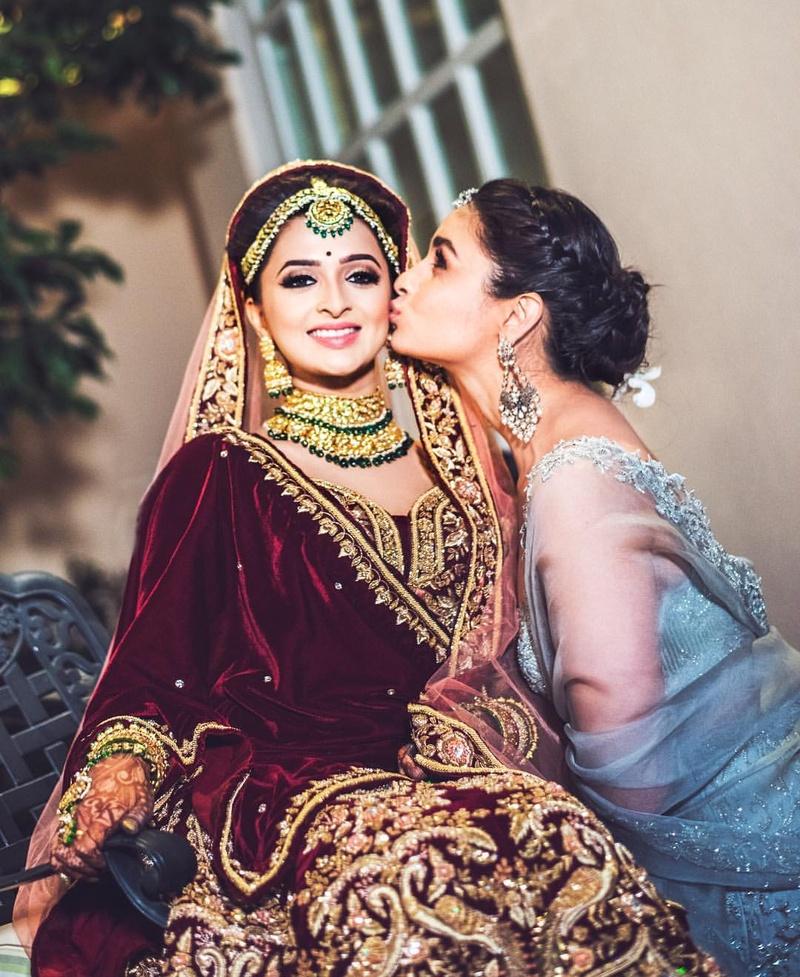 3. Alia Bhatt being the perfect bridesmaid every bride deserves.