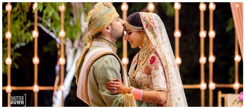 Akshay & Ritika Delhi : Meet Ritika, a die hard SRK fan who proved her love story is no less than Bollywood's!