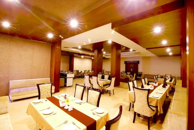 Hotel Vansh Palace Civil Lines Raipur - Banquet Hall