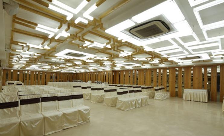 Bon Homie Vastrapur Ahmedabad - Banquet Hall