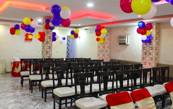 Amba Family Restaurant And Banquet Hall Anisabad Patna - Banquet Hall