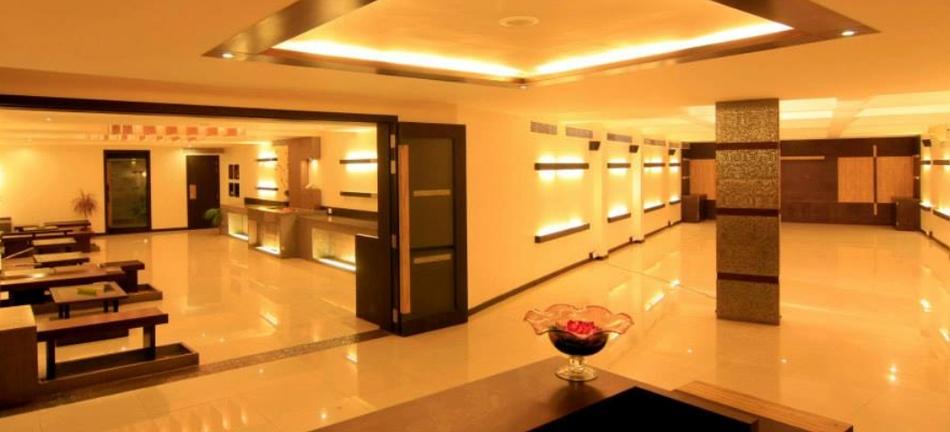 Hotel Emerald Park Canada Corner Nashik - Banquet Hall