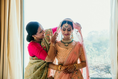 Prachi's mother gets her ready