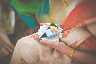 Attractive and unique wedding favours