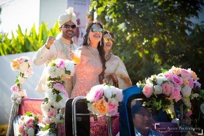 The groom and his family reaching the venue in a tuk-tuk.