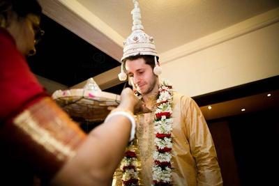 White shola wood Topor is an Bengali wedding essential