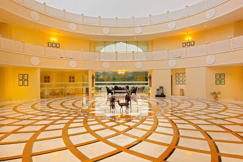 Royal Retreat Resort and Spa
